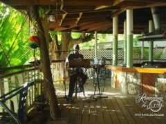 One man band, Cane Garden Bay, Tortloa