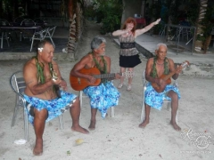 Tahaa dinner entertainment
